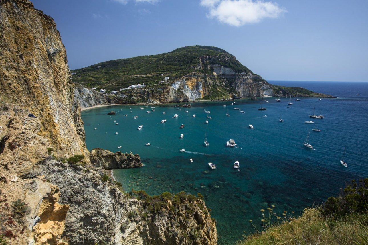 Ponza: le 5 spiagge raggiungibili solo via mare
