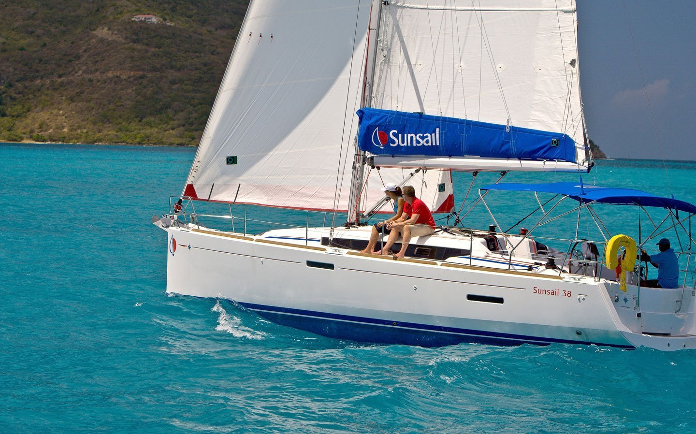 Sunsail Oceanis 38