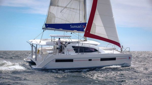 Sunsail Premier Plus Leopard 40
