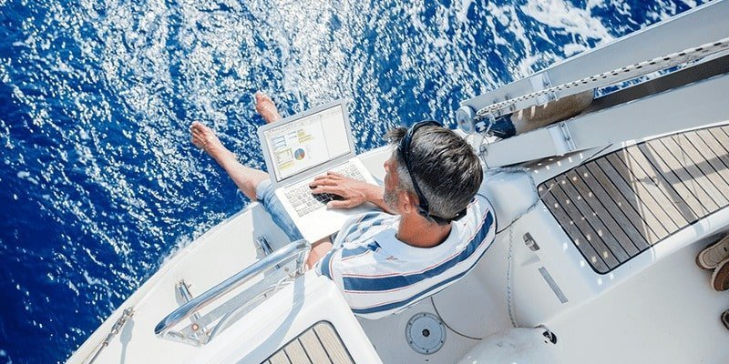 Internet in barca a vela: antenna o satellitare?